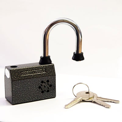 an alarmed shed padlock and 3 keys